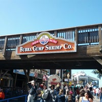 Photo taken at Bubba Gump Shrimp Co. by arkatPDA B. on 7/3/2012