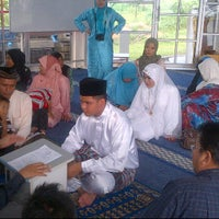 Photo taken at Pejabat Agama Islam Daerah Hulu Langat by Paktamiz bersatu on 4/19/2012