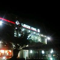 Photo taken at Burger King by Umut K. on 8/11/2012