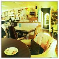 Photo taken at Raw Sugar Café by Lara on 11/7/2011