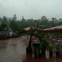 Photo taken at KFC by Ayudhia Putri R. on 1/28/2012