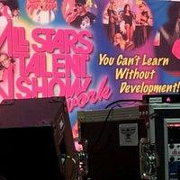 Das Foto wurde bei Bread and Roses Integrated Arts HS von Tina Lee Jones am 4/21/2012 aufgenommen