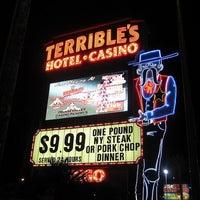Photo taken at Silver Sevens Hotel & Casino by 🍉🍓SHARRI🍓🍉 on 6/21/2012