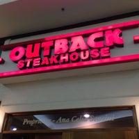 Foto tirada no(a) Outback Steakhouse por Jose N. em 7/16/2012