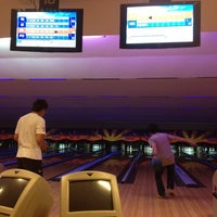 Photo taken at Lanna Bowling - Chiang Mai by หยิก ห. on 4/4/2012