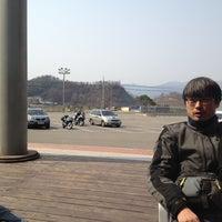 Photo taken at 토마토휴게소 by Jason L. on 4/8/2012