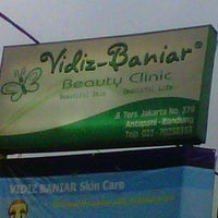 Photo taken at Vidiz Baniar Beauty Clinic by Djony S. on 11/4/2012