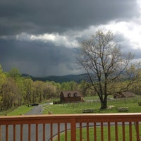 Photo taken at Fox Meadow Winery by Maryanna R. on 5/8/2013