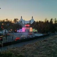 Photo taken at Shoreline Amphitheatre by Max G. on 9/28/2013