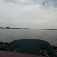 Photo taken at Muara Ikan Bakar Tanjung Harapan by Azmer P. on 4/21/2013