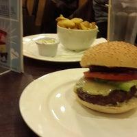 Photo taken at Gourmet Burger Kitchen by Ruben D. on 11/4/2014
