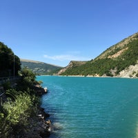 Photo taken at Lago di Fiastra by Caerill .. on 8/10/2016