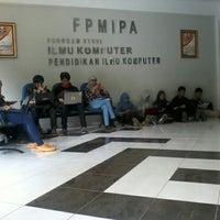 Photo taken at Gedung Ilmu Komputer (GIK) by Uliana P. on 11/14/2012