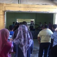 Photo taken at Restoran Zaman by Nik Farah Husna H. on 10/2/2016