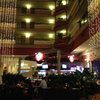 Photo taken at Embassy Suites by Daisy on 11/22/2012