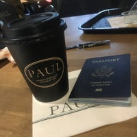 Photo taken at Starbucks by HANAN💙.. on 11/6/2016