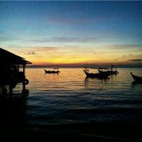 Photo taken at Teluk Tempoyak by Shetah H. on 9/26/2015