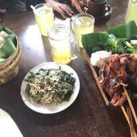 "Photo taken at Warung Lesehan Ayam Bakar ""Lientang"" by Efrida T. on 3/10/2016"