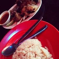 Photo taken at CT Nasi Ayam Garing Mancongkam by Syai N. on 1/20/2013