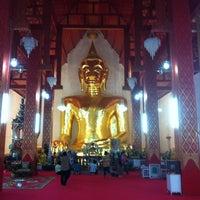 Photo taken at วัดศรีโคมคำ (วัดพระเจ้าตนหลวง) by Chonlatit M. on 12/1/2012