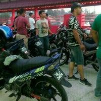 Photo taken at Pantai Jeram Restoran Ikan Bakar & Katering by Amir M. on 7/5/2015