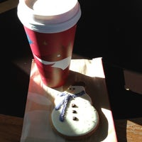Photo taken at Starbucks by Lis M. on 11/13/2012