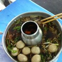 Photo taken at Wat Dong Moon Lek Noodle by Tongfar F. on 10/3/2012