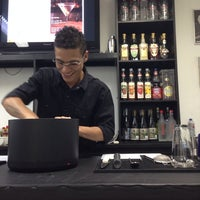 Photo taken at BaresSP Bartenders by Rossana R. on 1/25/2014