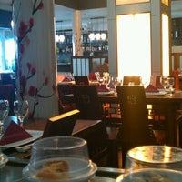 Photo taken at Restaurante Japonés Sakura VII by Julia P. on 11/10/2012