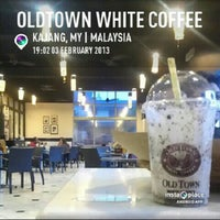 Photo taken at OldTown White Coffee by Dadoctor A. on 2/3/2013