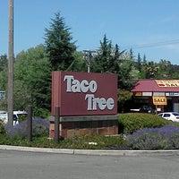 Photo taken at Taco Tree by Jen C. on 6/7/2013