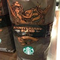 Photo taken at Starbucks by Remco v. on 11/15/2012