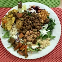 Photo taken at Mãe Natureza - Restaurante Vegetariano by Ezyo L. on 10/31/2013