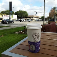 Photo taken at The Coffee Bean & Tea Leaf® by Fabian L. on 12/17/2012