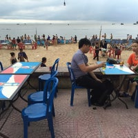 Photo taken at Bãi Biển Đồ Sơn by 5 B. on 6/17/2016