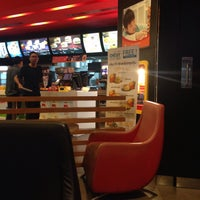 Photo taken at McDonald's by ริบ บ. on 6/27/2016