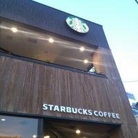 Photo taken at Starbucks by Yoshihisa Y. on 10/21/2012
