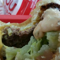 Photo taken at In-N-Out Burger by Alex G. on 7/23/2015