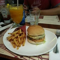 Photo taken at General Prime Burger by Wagner I. on 10/8/2012