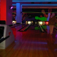 Genting Bowl - Glow In The Dark Bowling