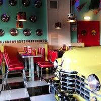 Foto scattata a ARNOLD'S American Diner da Alessandro M. il 7/7/2013