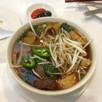 Photo taken at Loving Hut Vegan Cuisine by Vera V. on 1/28/2013