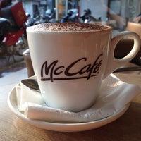 Photo taken at McDonald's / McCafé by Ananda L. on 8/29/2013