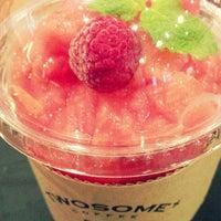 Photo taken at A TWOSOME PLACE by Jung Eun N. on 8/27/2013