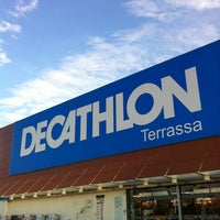 Photo taken at Decathlon by Ely G. on 11/6/2012