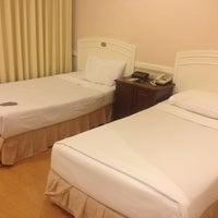 Photo taken at Poipet Resort Casino by ⒺⓝĵΘϓՀᎯ💞😋 on 9/14/2013