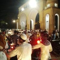 Photo taken at Masjid Agung Al Karomah Martapura by Mu'min H. on 7/26/2014