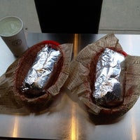 Photo taken at Chipotle Mexican Grill by Ernesto S. on 4/27/2014
