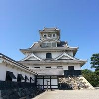 Photo taken at 長浜城 (長浜城歴史博物館) by 鮭のかす汁 on 8/20/2016