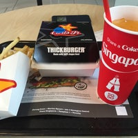Photo taken at Carl's Jr by Rodessa B. on 6/21/2015